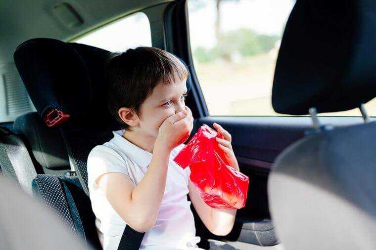 10 สาเหตุยอดฮิต ที่ทำให้รถเกิดกลิ่นอับ และวิธีดับกลิ่นอับในรถ