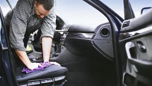 กลิ่นอับในรถยนต์ ทำอย่างไรให้หายขาด มาดูวิธีดับกลิ่นอับในรถกัน